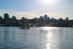Sunday Walk (Carlitos) Tags: ca canada water vancouver agua bc britishcolumbia falsecreek northamerica norteamerica
