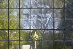 Quartiers de Spolte (Gerard Hermand) Tags: sky italy reflection tree metal canon square ciel spoleto arbre italie carr rflexion eos5dmarkii formatpaysage spolte gerardhermand 1406126740