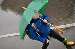Veel ks vihmane pev (anuwintschalek) Tags: street summer home rain june umbrella austria sommer strasse sidewalk 40mm kalle niedersterreich regen kodu suvi vihm regenschirm 2016 wienerneustadt lapsed micronikkor tnav gehsteig kummikud nikond90 vihmavari knnitee ragenstiefel