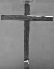 Wooden cross (Will S.) Tags: bw toronto ontario canada church cross symbol churches christian christianity mypics protestant presbyterian symbolism protestantism presbyterianism glenviewpresbyterianchurch