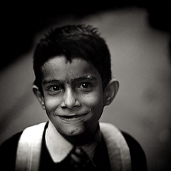 Schoolkid with backpack ( j  r e n) Tags: portrait blackandwhite india square noiretblanc jaipur rajasthan carr 500x500 babylone