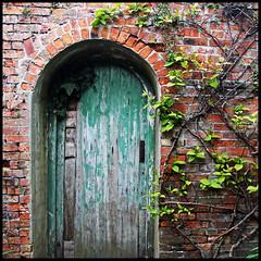 secret (foto.phrend) Tags: door wall square decay leeds entrance 500d lothertonhall