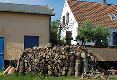 Svaneke - Houses With Logs (Steenbergs) Tags: house denmark logs bluesky bornholm svaneke danishhouse