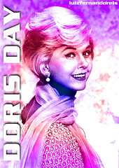 Doris Day cor 05 (Luiz Fernando / Sonia Maria) Tags: cinema art textura beautiful photoshop ads cores advertising glamour pin arte amor cincinnati moda modelos pop hollywood artistas beleza mito popular bela artedigital cor atrizes texturas pinups montagens cartazes artista popstar montagem artistico graciosas feminina filmes dorisday atriz jamescagney gal rockhudson advertisings twitter femininos atress anos1950 anos1960 luizfernandoreis dorismaryannvonkappelhoff dorisdaypetfoundationmulheres
