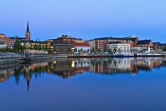 Reflections of Lule (Lulea) / North Sweden at Twilight (Maria_Globetrotter) Tags: city night canon reflections town twilight sweden north landmark clear sverige bluehour scandinavia marias norrland 550 lulea lule norrbotten vsterbotten northsweden 1585 reflektioner bltimmen luulaja luleju