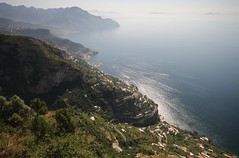Costiera Amalfitana / Amalfi Coast (Rory Francis) Tags: italy cliff coast high lemon mediterranean italia amalficoast lizard heat italie amalfi sanlazzaro agriturismo costieraamalfitana agerola yreidal slazzaro dagigino aneadailt aniodail lalunadalgerola lalunadagerola