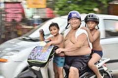 Mexico (Sergi Hill) Tags: trip travel viaje blue sea portrait people beach azul mexico mar nikon gente retrato playadelcarmen social playa normal gent viajar sociology quintanaroo sociologia d7000 nikond7000