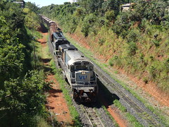 16598 BB36-7 #745 + DDM45 #870 com trem C745 chegando em Uberlndia MG, vindo de Uberaba     (3) (Johannes J. Smit) Tags: brasil vale trens vli
