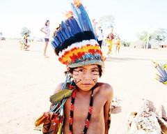 Aldeia Quatro Cachoeiras (fergprado) Tags: travel boy brazil brasil kid culture garoto criana menino cultura tribo indigenous aldeia chil ndio idigena