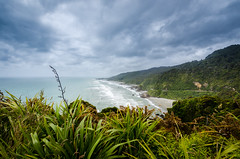 Wild west coast (Michael S Betz) Tags: ocean newzealand green beach clouds strand coast meer december wolken nz grn dezember 1020 neuseeland kste 2015 d7k d7000 nikonflickaward