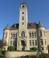 Old Waukesha County Courthouse (Waukesha, Wisconsin) (courthouselover) Tags: wisconsin waukesha wi courthouses waukeshacounty countycourthouses robertgkirschjr usccwiwaukesha milwaukeemetropolitanarea