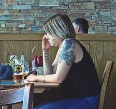 Tatty (Bricheno) Tags: girl scotland pub candid escocia tattoos blonde vest szkocja renfrew wetherspoons schottland xscape scozia lordoftheisles cosse  esccia   bricheno scoia