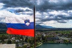 Slovenija (E-klasse2010) Tags: lake alps clouds julian flag slovenia bled slovenija grad slovenian blejski