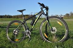DSC_1478 (Kullez) Tags: field bike rock trek skne mountainbike gear mtb shock brakes cykel solnedgng shimano deor flt rockshock broms vxlar djurslv xcaliber9 betrdor