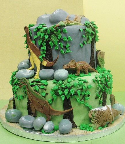 [Image from Flickr]:Dinosaur cake #2