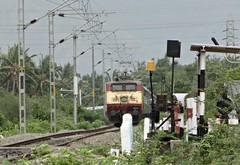 Thunderous RPM WAP-1 ! (karthik abbilash) Tags: camera india electric digital train track tn diesel sony traction rail loco gradient locomotive express passenger incredible sr tamilnadu bharat rpm ballast southernrailway indianrailways irfca gzb 22058 incredibleindia royapuram wap1 hx1 bharatiyarail