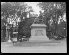 Statues in Portland, ME - Longfellow (Boston Public Library) Tags: sculpture portland henrywadsworthlongfellow lesliejones