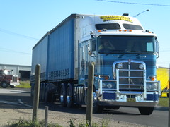 Deni Freighters Kenworth K200 Stretch Cab (KW BOY) Tags: new b tractor truck prime big model cab transport over australia melbourne stretch double semi lorry rig hauling express coe mover trucking kw 2012 freighters deniliquin kenworth haulage aerodyne k200