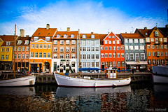 Nyhavn, colorful harbour of Copenhagen (Kobenhavn monument), Denmark... Nyhavn, un joli port color de Copenhague, Danemark. (Zeeyolq's Pictures...Busy,baby takes a lot of time) Tags: monument port canon wonderful copenhagen denmark nyhavn boat canal photo europe ship image symbol harbour weekend townhouse capital great picture canond60 landmark balticsea zealand danish capitale scandinavia dnemark kopenhagen ville sights cliche scandinavian kbenhavn symbole amager danemark copenhague baltique sjlland kongensnytorv woodenship seeland copenhagendenmark scandinavie danois danoise canon60d jezequel scandinave kbenhavnskommune hovedstaden visittocopenhagen christianv maisonscolores nyhavn71 copenhagennyhavn nyhavndenmark kbmandshavn copenhageners yoannjezequel copenhaguois nyhavncopenhague portcopenhague landmarkscopenhagen monumentsofcopenhagen touristplacecopenhagen zeeyolq zeeyolqspictures nyhavnrejser hotelkbenhavn nyhavnkopenhagen nyhavnkbenhavn visitkbenhavn denmarkvisit