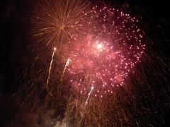Woolwich Olympic Fireworks 2012 (kenjonbro) Tags: show uk england london night evening display fireworks finish end closing riverthames barge woolwich london2012 londonolympics woolwicharsenal se18 woolwichpier kenjonbro fujihs10