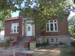 Carnegie Library (Eldon, Iowa) (courthouselover) Tags: libraries iowa ia eldon carnegielibraries wapellocounty wetherallgage