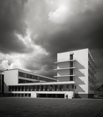 bauhaus (schromann) Tags: school walter architecture germany contemporary style international bewegung architektur bauhaus schule dessau gropius dessaubauhaus 20160429