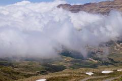 (Hanna Khoury) Tags: mountain fog clouds montagne north middleeast calm libano arz cedars calme  abovetheclouds  cedarsoflebanon   leanon  cedarsofgod libannord makmel northoflebanon cdresduliban  lescdresduliban wearelebanon  dahreladib   dahrelkadib