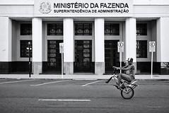 I ove my bike (fcribari) Tags: street brazil blackandwhite bw monochrome bike bicycle brasil streetphotography fujifilm streetphoto recife pretoebranco pernambuco 2016 fotografiaderua x100t