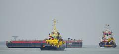 RPA 16 , WB 11 & WATERLAND (kees torn) Tags: offshore tugs waterland nieuwewaterweg wb11 hoekvanholland wagenborg ahts rpa16 krve60 wagenborgbarge11