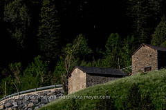 Andorra rural: La Massana, Vall nord, Andorra (lutzmeyer) Tags: andorra arinsal bordesdegallinerarinsalcomallempla cg5 cs520 canoneos7dmarkii comallemplacomarca europe iberia iberianpeninsula lamassanaparroquia lutzmeyer pirineos pirineus pyrenees pyrenen altehuser antic architectura architecture architektur arquitectura bauernhaus baukunst bilder borda farmhouse fotos frhjahr frhling geschichte hauptstrasse haus historia historie historisch history iberischehalbinsel imagen images imatges june juni junio juny landscape landschaft lutzlutzmeyercom mainroad oldhouses paisaje paisatge parroquia past photography photos pics pictures primavera rural rutaciclista10arinsal scheune schild sonnenaufgang sortidadelsol spring springtime sunrise tele vallnord lamassanavallnord