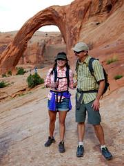 sajhudtash (Symic) Tags: smile hat sunglasses trek happy utah couple arch hiking hike josh together moab shorts sonya stern camelbak andrswilliamolsenrodriguez