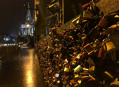 2016-03-15 at 23.30.46 (AppleTV.1488) Tags: bridge germany de march europe cathedral lock cologne kln padlock nordrheinwestfalen klnerdom 2016 hohenzollernbrcke hohenzollernbridge hohedomkirchestpetrus appletv1488 appleiphone6s highcathedralofsaintspeterandmary adobephotoshoplightroom571macintosh iphone6sbackcamera415mmf22 15032016 15mar2016