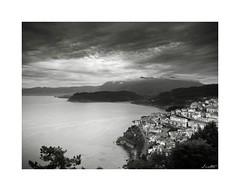 Desde el Mirador de San Roque (Jaime Martin Fotografia) Tags: sea blackandwhite mountain blancoynegro landscape monocromo asturias lastres