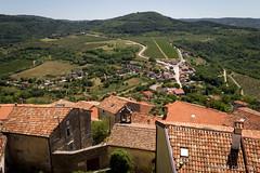 Vakantie Kroati & Sloveni 2015 (redijkstra) Tags: vakantie groen uitzicht landschap motovun daken kroati