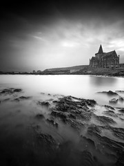 The Auld Kirk (been snapping) Tags: uk longexposure sea blackandwhite seascape beach church water monochrome canon landscape mono coast scotland mar seaside fife sigma coastal 7d stmonans schotland ecosse eastneuk fifecoastalwalk auldkirk escosia leebigstopper