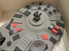 Lego Star Wars Cake & Cupcakes (Cupcake Creations by Cassandra) Tags: birthday boys cake star cupcakes ship lego pics millennium falcon wars