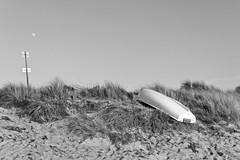 _MG_5193 (stefano istvan) Tags: sea blackandwhite moon island boot mond boat blackwhite baltic insel silence gras ostsee hiddensee dne stille abendstimmung schwarzweis inselimpression