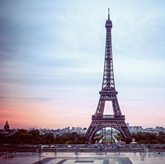 ~ morning has broken ~ (Janey Kay) Tags: summer sky paris france sunrise dawn eiffeltower himmel ciel toureiffel t parigi poselongue leverdusoleil sunriseinparis sigma2470mm28 janeykay nikond300s june2012 juin2012