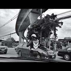 #police #traffic (jomisscall) Tags: sea building tree car square boat bluesky squareformat ipic seasky iphonegraphy iphoneography iphoneonly instagramapp uploaded:by=instagram