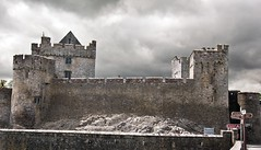 Cahir Castle (Phil Tilter) Tags: ireland castle medieval butler cahir southtipperary elementsorganizer
