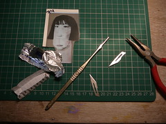 changing scalpel blade (extra-minty) Tags: ceramic change decal blade transfer scalpel