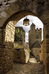 Beynac (@lain G) Tags: france tour dordogne enceinte porte ruelle fortification mur chteau beynac aquitaine prigordnoir