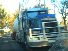 photo by secret squirrel (secret squirrel6) Tags: motion beautiful moving highway awesome trucks kw kenworth leongatha preziosotransport strezleckihighway secretsquirrel6truckphotos prezzioso