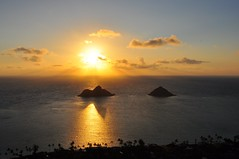 N Mokulua (XJCreations) Tags: sunrise hawaii oahu hiking lanikai bunkers pillboxes kawiaridge