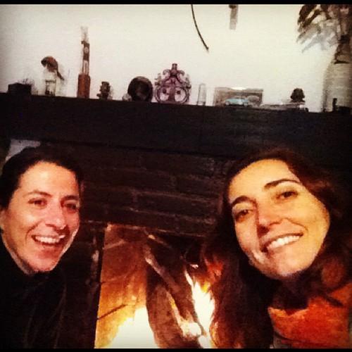 Tentando manter o fogo... #frio #valedopavão #itatiaia