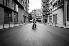 The lonely boy (zehiotrump) Tags: street portrait blackandwhite blancoynegro solitude fuji retrato streetphotography bn fujifilm soledad fujinon monocrome streetportraits xseries mirrorless xe2 fujixseries xf18mmf2 fujixe2