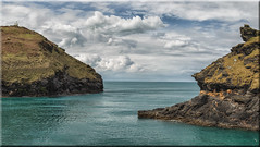 Boscastle Harbour Entrance (Boba Fett3) Tags: ocean sea sky seascape clouds outside outdoors coast seaside rocks cornwall harbour panoramic coastline photostitch westcountry boscastle canon1d
