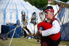 Quondam (Red Cathedral is having big trouble uploading on M) Tags: musician cosplay knight bagpipes chevalier middleages reenactment reenactor larp renaissancefair moyenage ridder redcathedral middeleeuwen berlaar quondam eventcoverage aztektv thooghuys