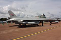 658 General Dynamics F-16AM Fighting Falcon, Royal Norwegian Air Force, RAF Fairford, Gloucestershire (Kev Slade) Tags: gloucestershire f16 658 generaldynamics raffairford fightingfalcon egva royalnorwegianairforce riat2010