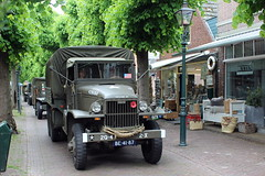 1944 G.M.C. CCKW 353 (Davydutchy) Tags: netherlands truck army ride military may nederland hobby voiture lorry vehicle frise rit heer convoy paysbas gmc friesland armee leger niederlande 353 militr reenacting lkw 2016 frysln militair frisia rondrit langweer tocht langwar kolonne cckw cckw353 poidslourd legervoertuig legergroen